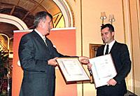 Goran Stojilkovi?, Managing director of Zdravlje Actavis, received the Certificates from the SGS Deputy Director Jovan Zagorac.