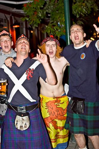 Scotland beats Iceland 2-1