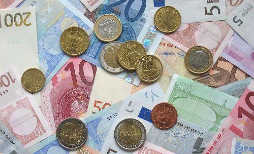 Iceland plans euro bond sale