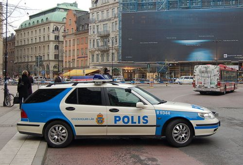 Swedish police arrest nappy smugglers