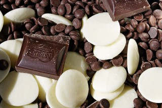800px-Various_chocolate_types