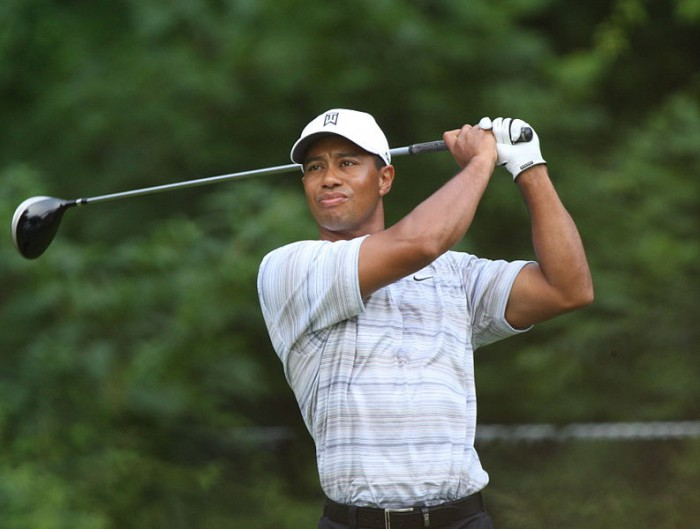 Tiger's ex hits out at cheating golfer during graduation speech