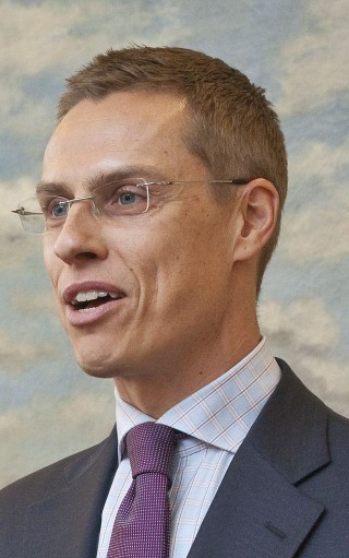 Finnish PM refuses to accept gift skis