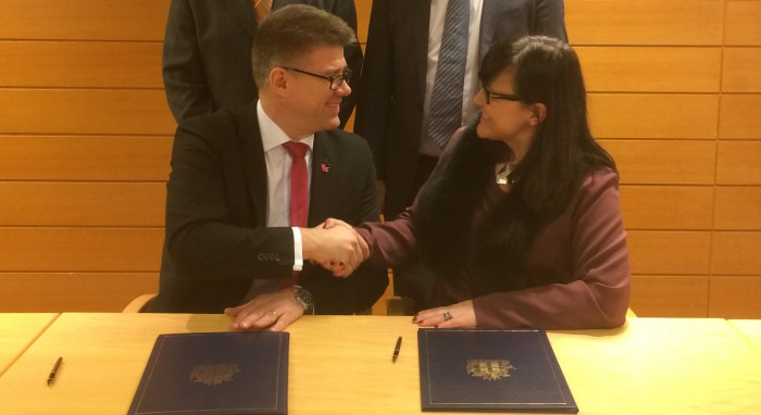 Iceland underlines its efforts for promoting geothermal energy with IGC 2016 sponsor agreement