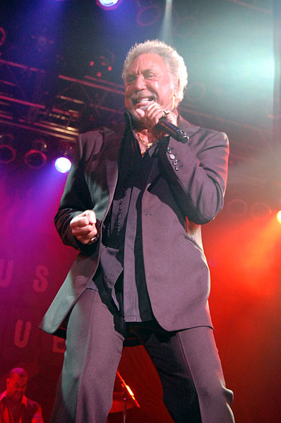 398px-Tom_Jones_concert
