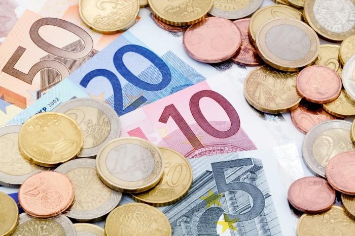 Iceland repays debt owed to Poland