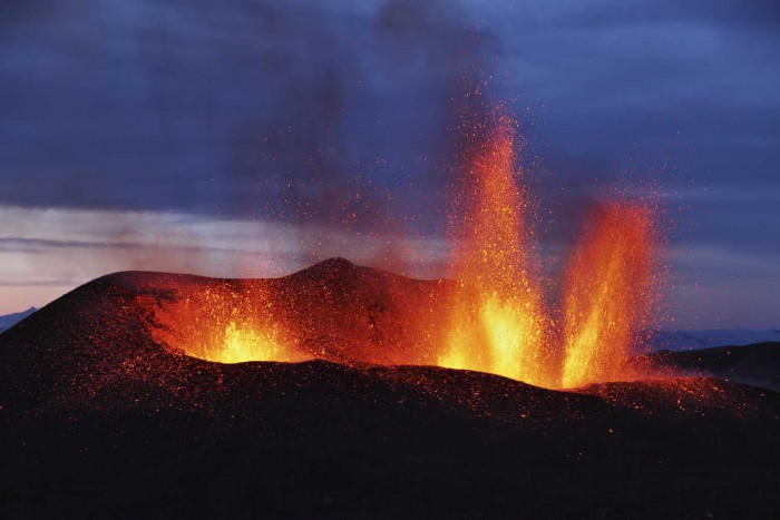 Icelandic volcanoes to keep Britain warm