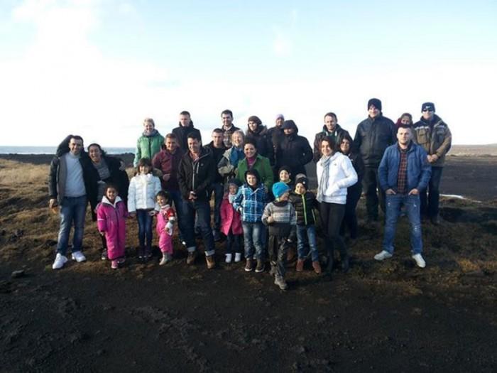 Icelandic coach driver takes refugees on free tour