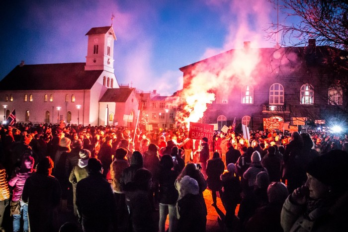 """Elections Now"" – Icelanders fired up and ready to protest"
