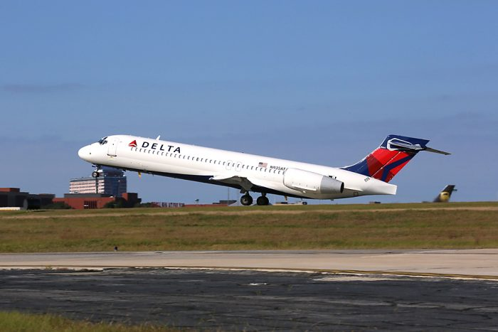 Delta secures year round flight between Keflavik airport and JFK