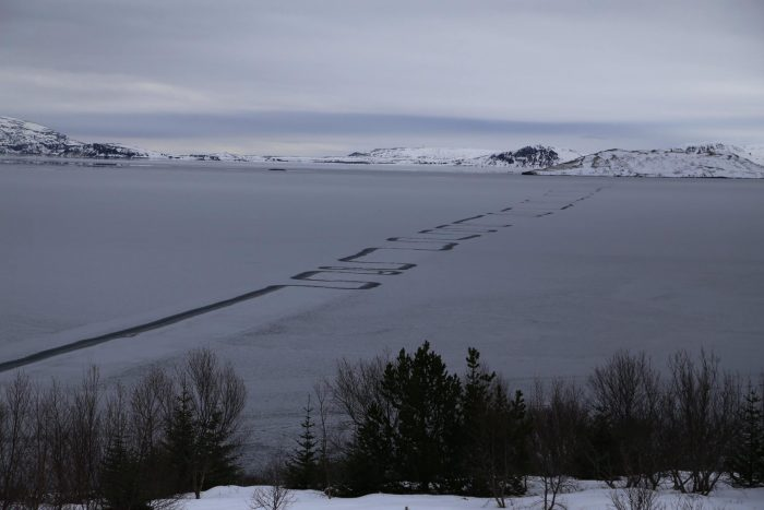 Finger rafting on lake Thingvallavatn