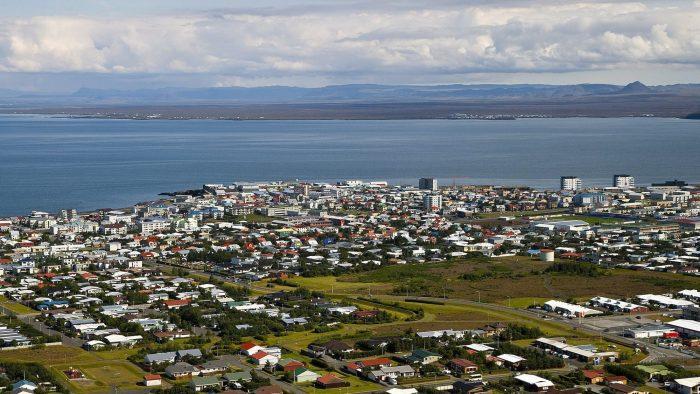 An earthquake rocks the town of Keflavik