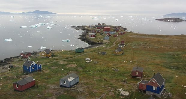 A heavy blow for a small community – Greenland rebuilds