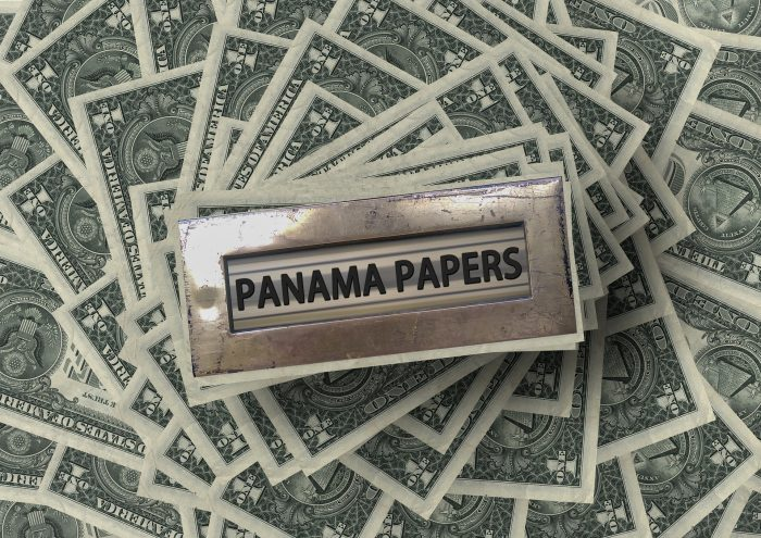 Icelanders named in Panama papers buy ISK at a 20% discount