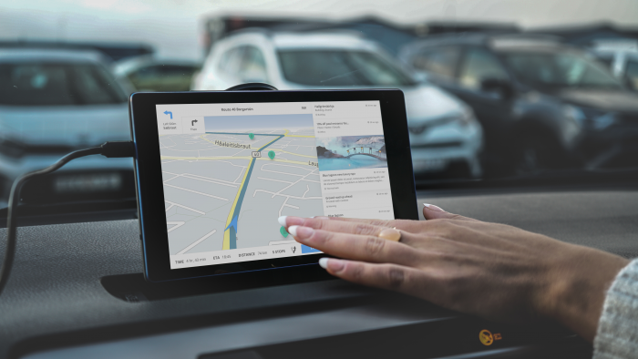 Icelandic car rental pioneers the use of preventative road safety system